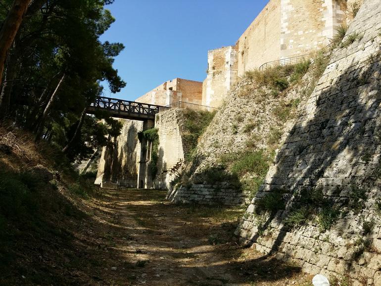 La fortezza svevo angioina for La fortezza arredamenti commerciali