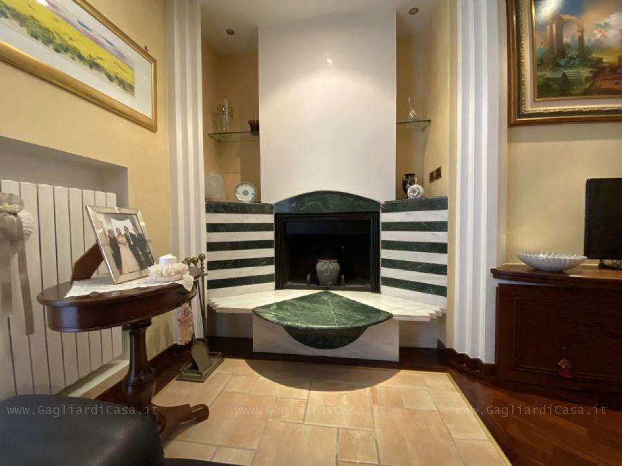 Gagliardi Immobiliare - Appartamento con garage e ...